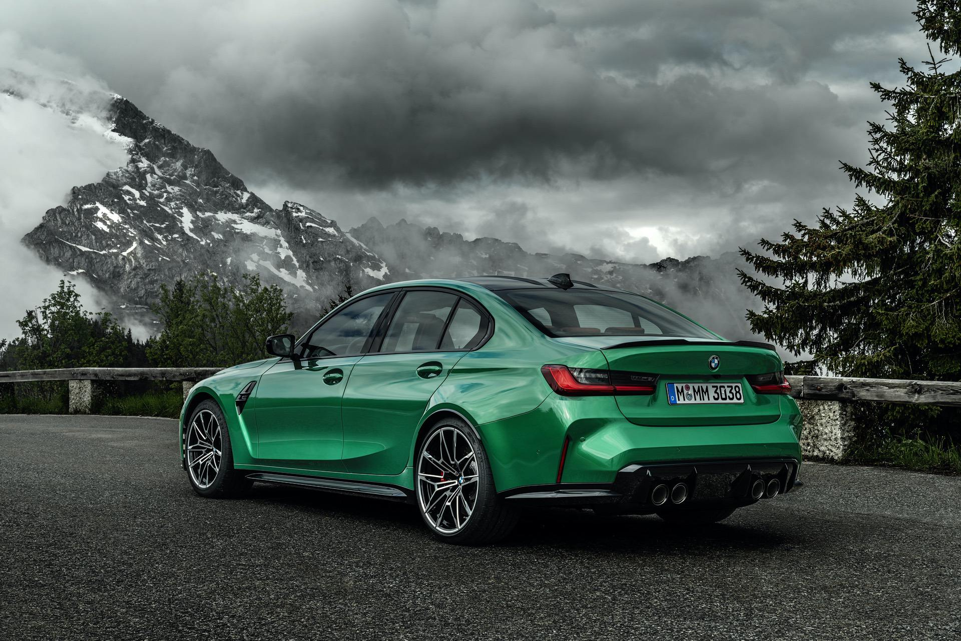 2021-bmw-m3-competition-exterior-03.jpg