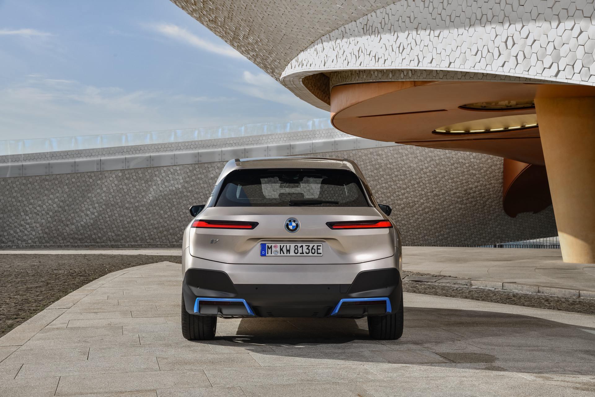 2022-bmw-ix-exterior-00.jpg