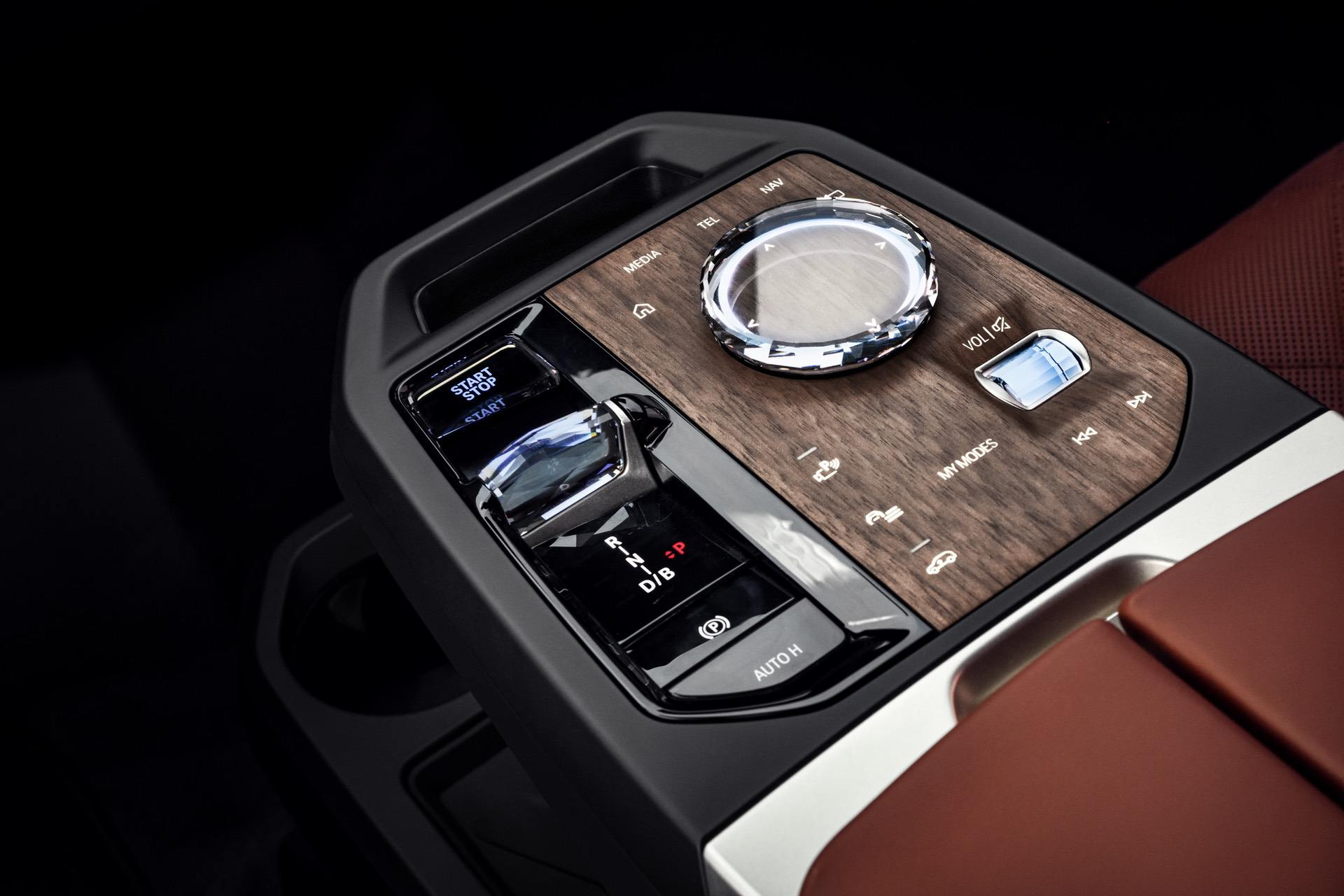 2022-bmw-ix-interior-23.jpg
